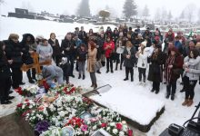 Građani na Davidovom grobu / foto: Dejan Božić