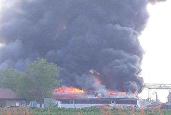 Ugašen požar na pogonu fabrike namještaja u Gradišci