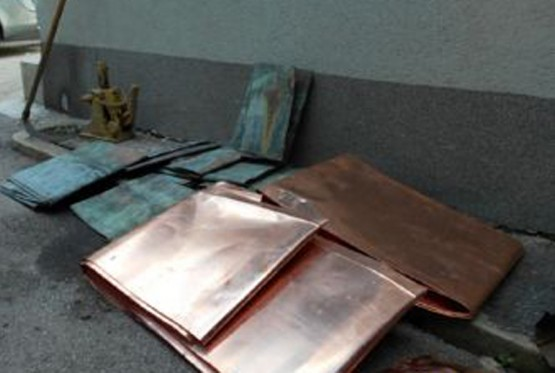 Iz pravoslavne crkve u Visokom ukrali 95 kvadarata bakarnog lima