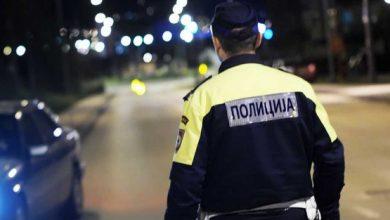Napad u Srpcu: Policajcu iscijepao košulju