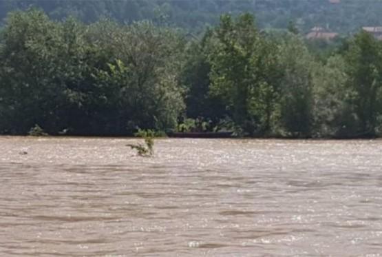 Pokušao prokrijumčariti migrante čamcem preko Drine, pa uhapšen